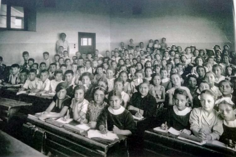Παράγκα, Περιστέρι, σχολείο, Χριστοφιλόπουλος, ιστορία, Πέτρινο σχολείο